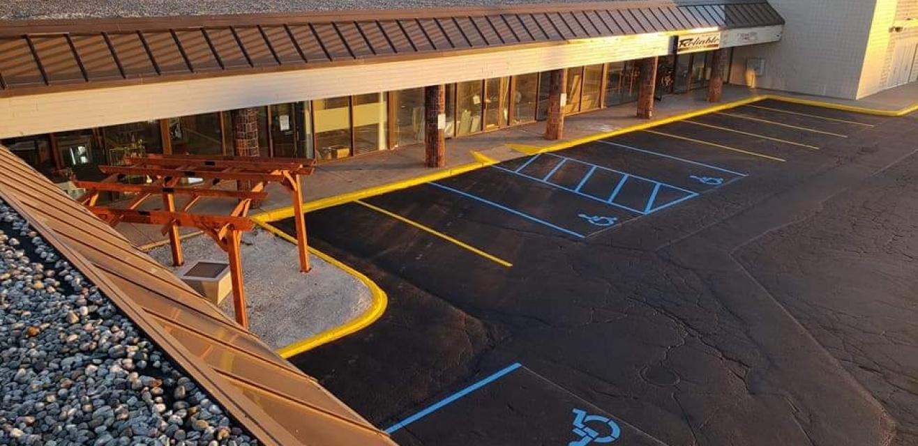 ParkingLot-Sealed-Striped-EliteAsphaltMaintenance